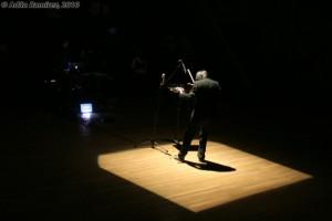 Música contemporánea para violín y medios electrónicos: Killingviolin