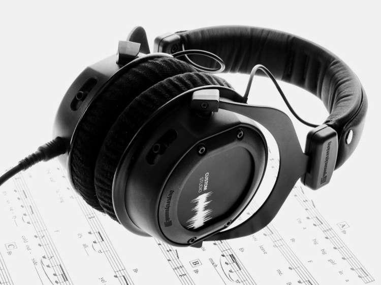 como se usan los audifonos, como cuidar los oidos, como limpiar los oídos tipos de audifonos porque duele el oido