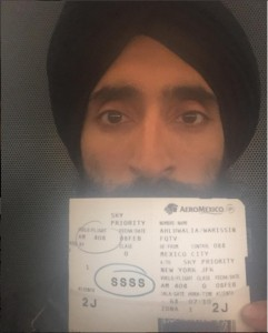 Aeromexico niega servicio al actor y diseñador Waris Ahluwalia por usar turbante