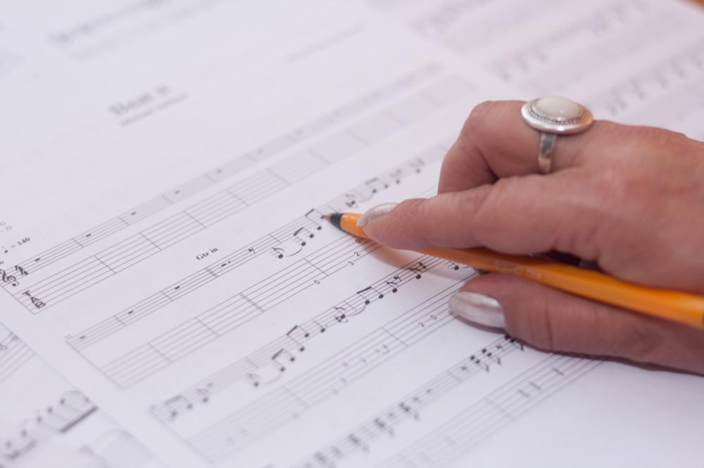 Se puede aprender a cantar sin profesor