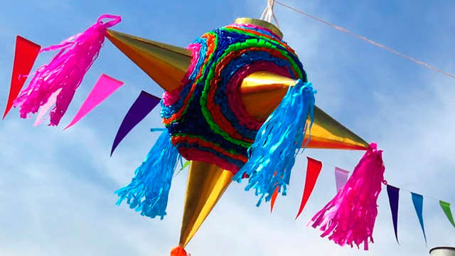 que se hace en una posada navideña significado de la piñata